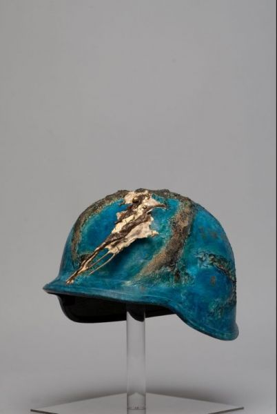 Hommage à la terre et son soldat, acrylique bronze, 2009, vendu